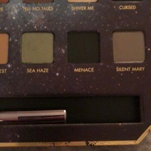 LORAC Makeup - Lorac pirates of the Caribbean eyeshadow palette